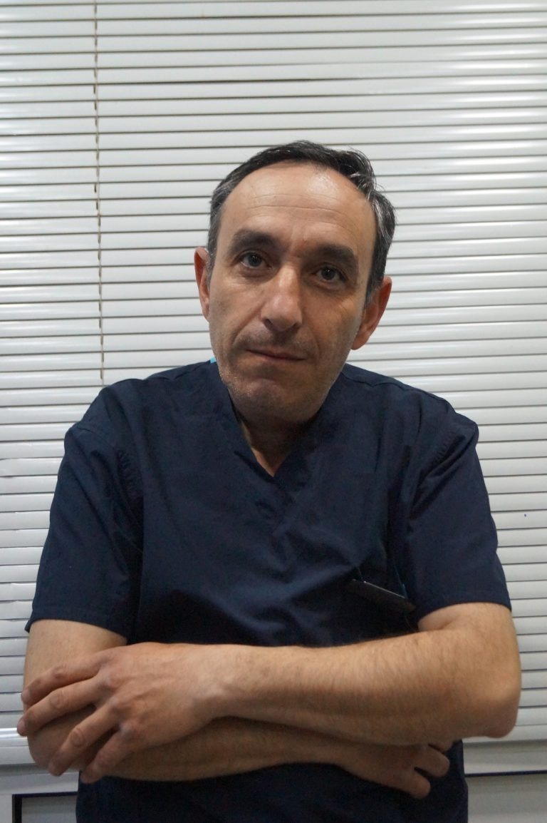 Ruben Khazanchian, veterinarian